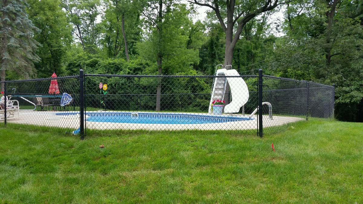 Pool Chain Link Fence